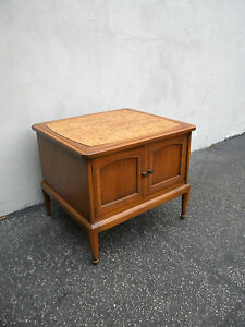 Mid Century Modern Nightstand Side End Table 5280