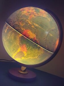 Vintage Replogle 12 World Horizon Series Light Up Globe Wood Base Lamp