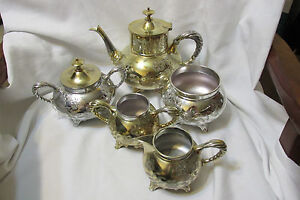 Vintage Antique 5 Piece Silverplated Tea Coffee Set Meriden Quadruple Plate 1979