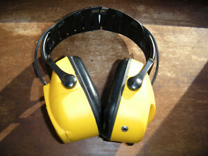 Bilsom Impact Series Sound Amplification Electronic Earmuff Howard Leight