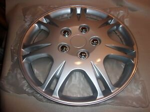 New Wheel Covers Hubcaps 15 Silver Fits 1999 2003 Mitsubishi Galant Set Of 2