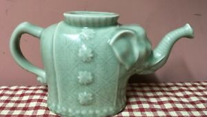 Beautiful Elephant Celadon Green Ceramic Pottery Figural Teapot Missing Lid