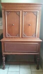 Vtg Antique Solid Oak China Cabinet Cupboard Chest Early American Mt Airy Furn