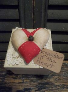 Sweet Prim Keepsakes Of The Heart Painted Box With Quilt Heart Valentines