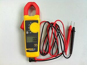 Fluke F302 Digital Clamp Meter Multimeter Tester W Carrying Bag
