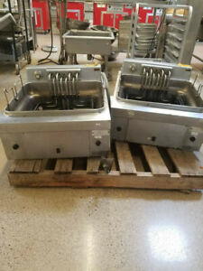 Hobart Counter Top Twin Basket Electric Fryer 173