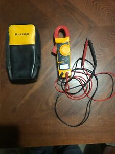 Fluke 322 Ac Clamp Meter W Testing Leads Carrying Case