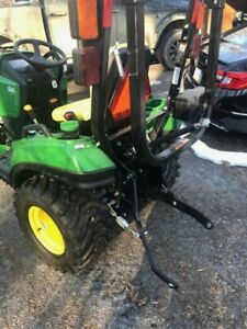 John Deere 1023e Tractor With Loader