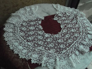 Antique French Point D Irlande Lace Heart Shape In 2 Parts Collar Scalloped Edge