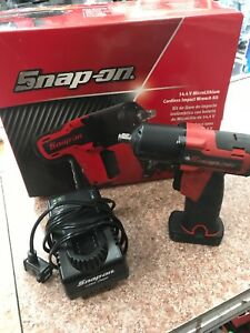 Snap on Ct761a 14 4 V 3 8 Drive Microlithium Cordless Impact Wrench Kit