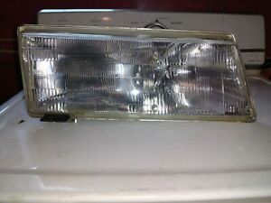 93 94 95 98 97 96 Saab 9000 Oem Passenger Side Right Headlight Assembly