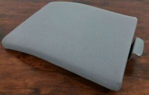 04 08 Ford F 150 Center Console Lid Armrest Light Gray Cloth Excellent Shape