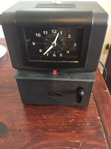 Lathem Manual Work Time Clock Month date hours minute Charcoal Model 2121