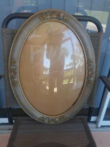 Rare Antique Floral Oval Picture Frame W Convex Bubble Glass