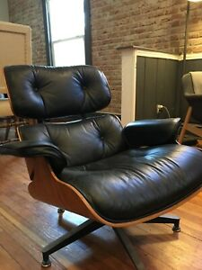 Original Vintage Herman Miller Eames Lounge Chair With Ottoman
