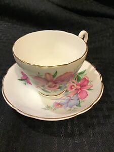 Vintage Consort Bone China Tea Cup Saucer Pink Purple Flowers Scalloped Edge