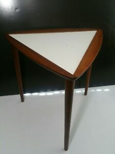 Vintage Mid Century Modern Triangle Guitar Pick End Table W Tapered Legs