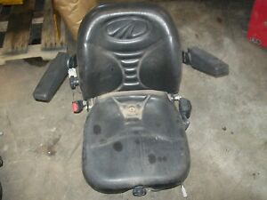 E007606709c91 Seat Assembly Complete Used Mahindra 3550 4550 4035 And More