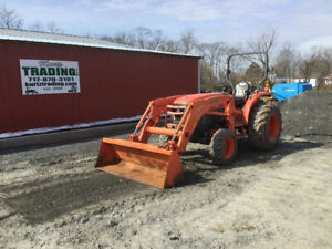 2011 Kubota L5240 4x4 Hydro Compact Tractor W Loader Only 1600 Hours