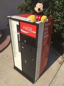 Original Coca Cola Vending Machine mini Size Cavalier uss 8 64 gets Ice Cold