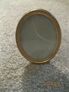 Small 3 7 8 Antique Brass Metal Oval Glass Picture Frame Easel
