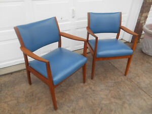 Vintage Pair Mid Century Danish Modern Teak Dining Side Arm Chairs