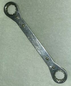 Snap On Usa R 2830 7 8 15 16 Sae 12 Point Flat Double Ratcheting Box Wrench
