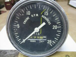 Case 930 Chain Drive Tractor Tachometer Part A33483