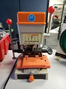 Automatic Key Duplicating Key cutting Machine Defu 339c Locksmith