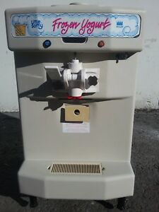 2009 Taylor 142 Soft Serve Frozen Yogurt Ice Cream Machine Warranty 1ph Air