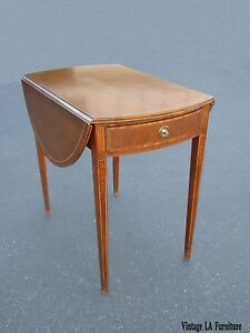 Vintage Baker Furniture English Style Drop Leaf Pembroke Side Table