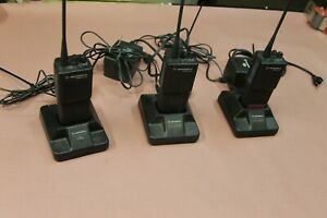 Motorola P110 Uhf Fm Transceiver 2 Way Radios 3 Pieces In Lot