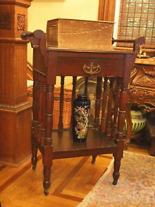 Beautiful Antique Victorian Wash Stand With Four Turned Legs Excellent Condition
