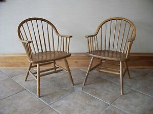 Mid Century Modern Claud Bunyard Continuous Windsor Chair Pair