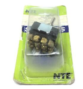 Nte On off on Toggle Switch 54 017 Nos
