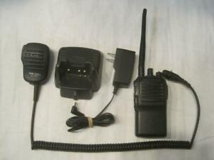 Vertex 2 Way Radio vx 231 ad0b 5 Bundle With Charger And Microphone Fs