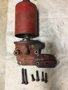 International Farmall 460 Motor Oil Canister Holder W 6 Original Mounting Bolts