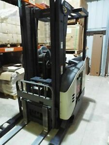 Crown Reach Electric Fork Lift Rr5200 Sideshifter Fork Truck