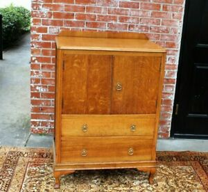 English Antique Oak Queen Anne 2 Door 2 Drawer Small Cabinet Bedroom Furniture