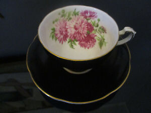 Vintage Adderley Lawley English Bone China Mum Floral Gold Gilt Tea Cup Saucer