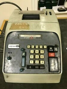 Vintage Underwood 400 Adding Machine Made In Italy Antique Collectables