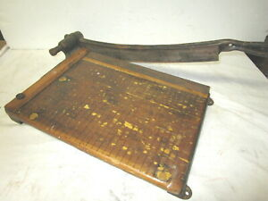 Antique The Popular Cast Iron Wood Paper 12x15 In Guillotine Cutter patina