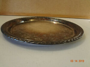 Vintage W M Rogers Silverplated Round Platter Tray 471