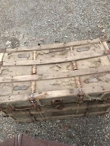Antique Trunk Lots Of Character Possibly Late 1800s Early 1900s