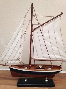 Wooden Model Boat Yacht Sails Not Light Brass