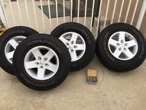 Jeep Wrangler 2018 Genuine Oem 17 Set Of 5 Tires And Rims With Brand New Spare