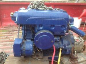 Isuzu Um3k1e Marine Diesel Engine With Transmission 3 Cylinder 36 Hp