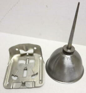 Mb Gpw Willys Ford Wwii Jeep G503 Eagle Oil Can And Oil Can Bracket