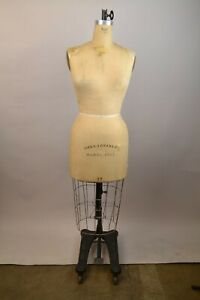 Wolf Collapsible Vintage Dress Form Mannequin Model 1982