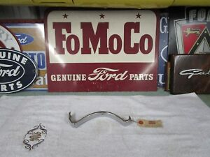 1955 Ford Nos Grill Center Joint Cover B5a 8221 B All Passenger Cars